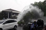 Pipa Bocor di Puri Kembangan Jakbar, Air Menyembur ke Jalanan