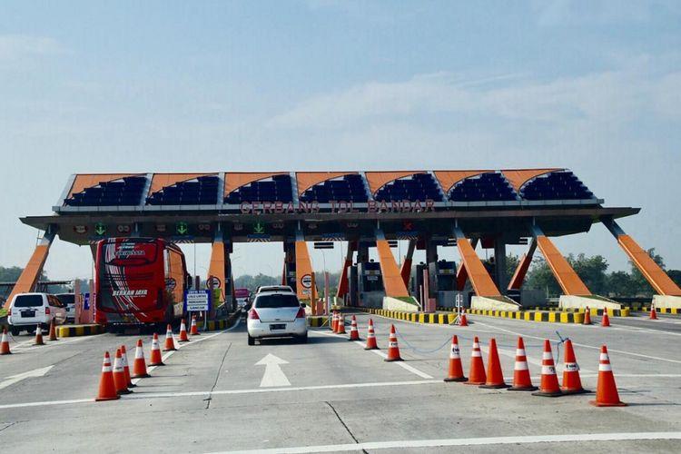 Gerbang Tol Bandar-Kertosono, Jawa Timur.