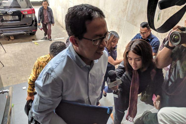 Jokdri menghadiri pemeriksaan ke tiga terkait perusakan barang bukti kasus pengaturan skor di Mapolda Metro Jaya, Rabu (27/2/2019)