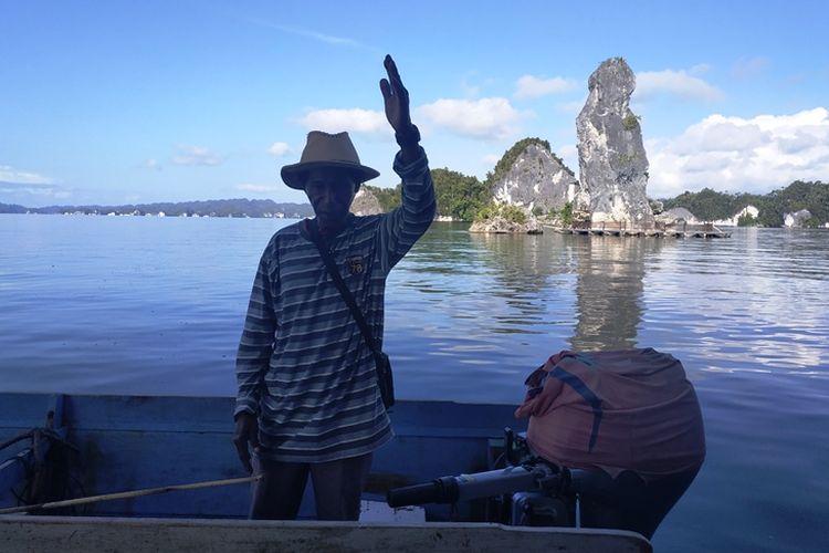 Frans, warga Raja Ampat saat ditemui di Teluk Kabui, Kamis (27/9/2018).