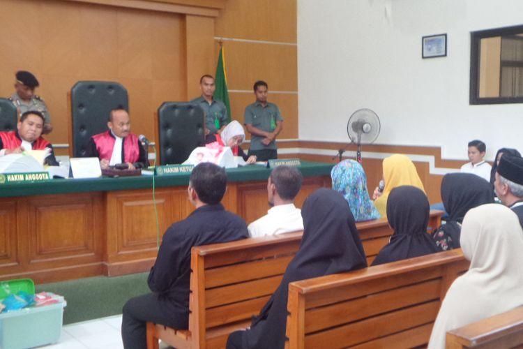 Jaksa penuntut umum menghadirkan 9 saksi dalam sidang perkara First Travel di PN Depok, Rabu (7/3/2018).