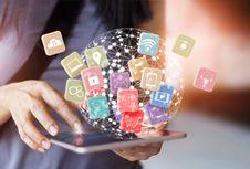 Media Sosial dan Semangat Millenial 4.0