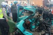 Tabrakan Maut di Pasuruan, 3 Orang Tewas Terbakar dalam Mobil yang Terjepit