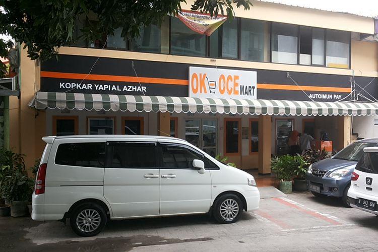 OK-OCE Mart yang berada Kompleks YAPI Al Azhar, Jalan Sunan Giri, Rawamangun, Jakarta Timur.