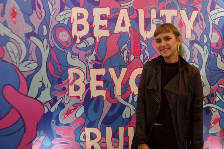 Seniman muda Shane Tortilla saat ditemui pada acara Beauty Beyond Rules di Kota Kasablanka, Jakarta Selatan, Rabu (5/12/2018).