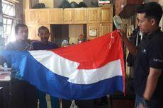 Polisi dan Warga Turunkan Paksa Umbul-umbul Mirip Bendera Belanda
