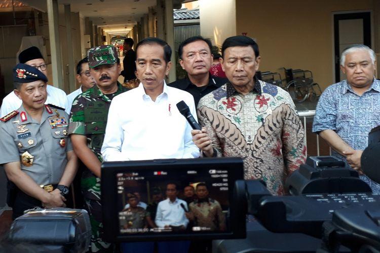 Presiden Jokowi: Aksi teror di Surabaya biadab!