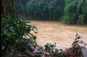 Buang Sampah ke Sungai Perilaku Primitif dan Tidak Beradab