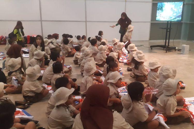 Dalam rangka turut memperingati 74 Tahun Indonesia Merdeka, Direktorat Pembinaan Pendidikan Anak Usia Dini (PAUD) menggelar kegiatan Goes to Museum. Sebanyak 1.000 siswa tersebar di Jakarta, Bogor, Tangerang, dan Bekasi berkunjung ke Museum Nasonal, Rabu (14/8/2019).