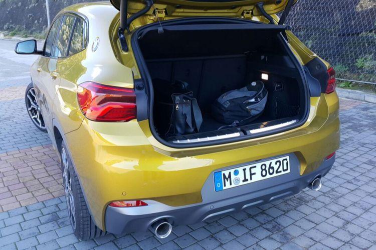 Bagasi BMW X2 M Sport dengan volume 470 liter.