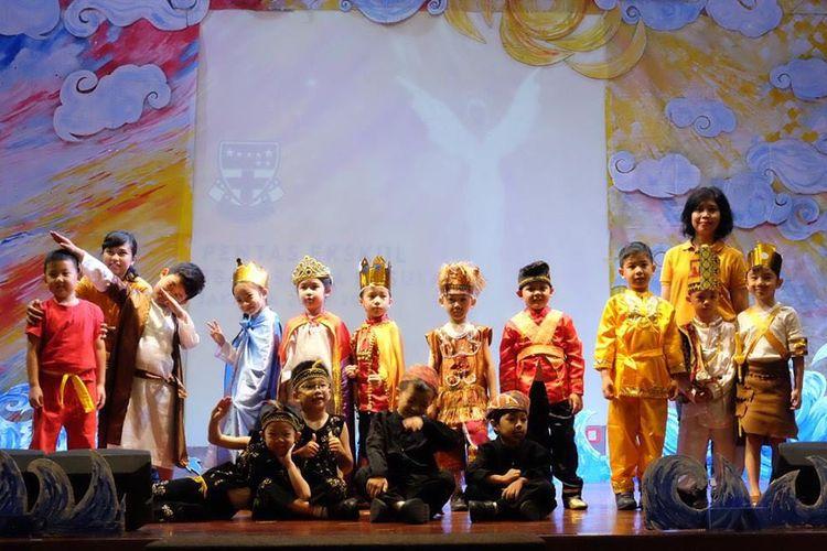 Pementasan Drama TK Santa Ursula Jakarta.