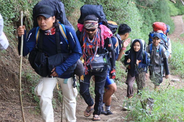 Pendakian Gunung Semeru di pos 3, via Ranu Pani, 2018.