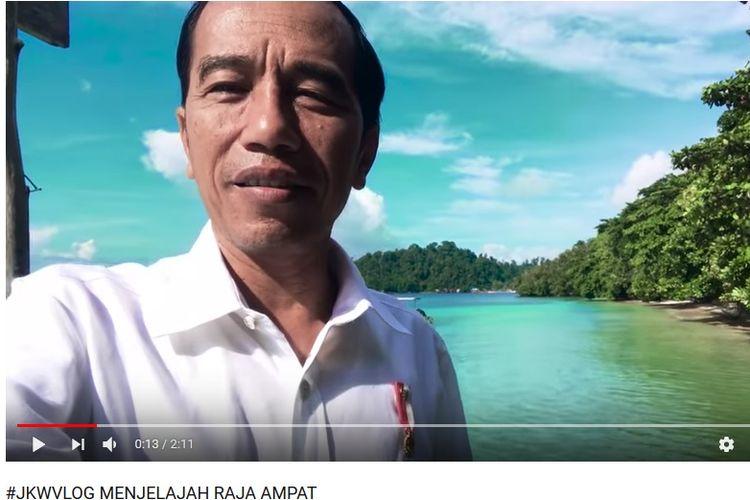 Vlog Presiden Joko Widodo yang memamerkan keindahan Raja Ampat, Papua Barat. Video itu diunggah di YouTube pada Selasa (26/11/2017).