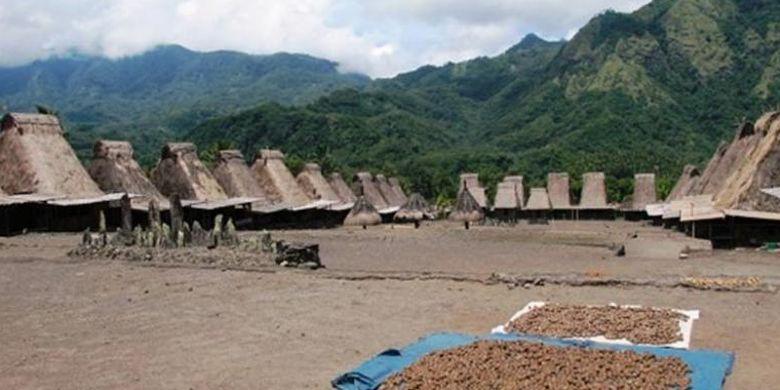 Desa Adat Gurusina di Kabupaten Ngada, Nusa Tenggara Timur.