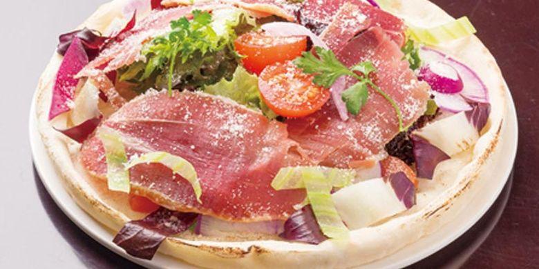 Keju raclette di Jepang dikenal juga sebagai keju heidi, diambil dari nama karakter animasi gadis kecil yang terkenal di negeri sakura ini.
