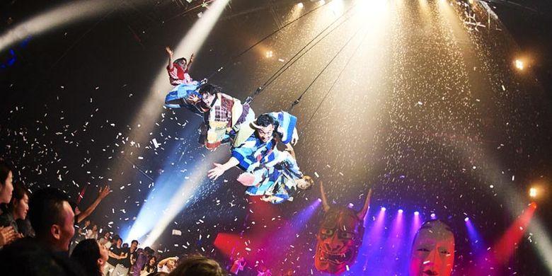 Di Stellar Ball Hotel Shinagawa Prince, Tokyo, Jepang digelar Fuerza Bruta Wa! yang dibuat oleh seniman Fuerza Bruta bertema Neo-Japanesque Entertainment. Pertunjukan berlangsung dari 14 Desember 2017 sampai akhir Februari 2018.