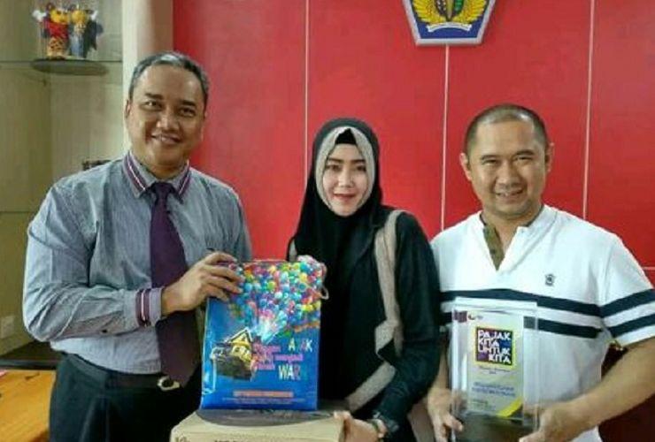 Pak dan Bu Dendy Lapor SPT Pajak di KPP Tulungagung