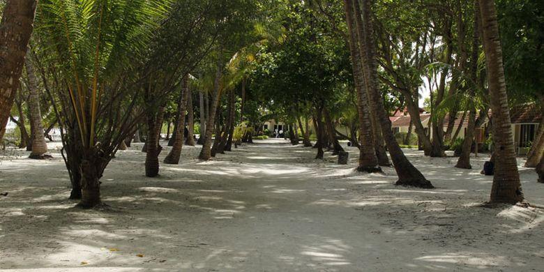 Wisatawan berlibur di Club Med Kani Maladewa, Sabtu (15/7/2017).