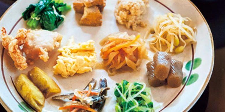 Menu restoran Matsutomiya Kotobuki di Kyoto, Jepang, ini berfokus pada makanan sehat seperti rebusan sayur dan lain-lain.