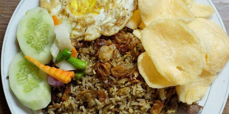 Nasi Goreng Kebuli Apjay di Jalan Panglima Polim, Jaksel.