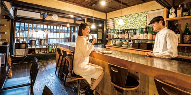 Matsutomiya Kotobuki merupakan restoran di Kyoto, Jepang yang bangunannya direnovasi dari rumah tua zaman Meiji (1868-1912) dengan menu buffet yang menggunakan bahan makanan natural.