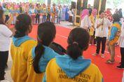 Iriana Jokowi Ajak Ibu-ibu Tak Pakai Kantong Plastik Saat Berbelanja