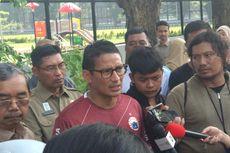 Relawan Jokowi Senam di Monas, Sandiaga Bilang Itu Tidak Boleh