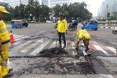Pagi Ditemukan Rusak, Jalan MH Thamrin Langsung Diperbaiki Siang Ini