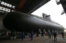 Angkatan Laut Rusia Luncurkan Kapal Selam Siluman