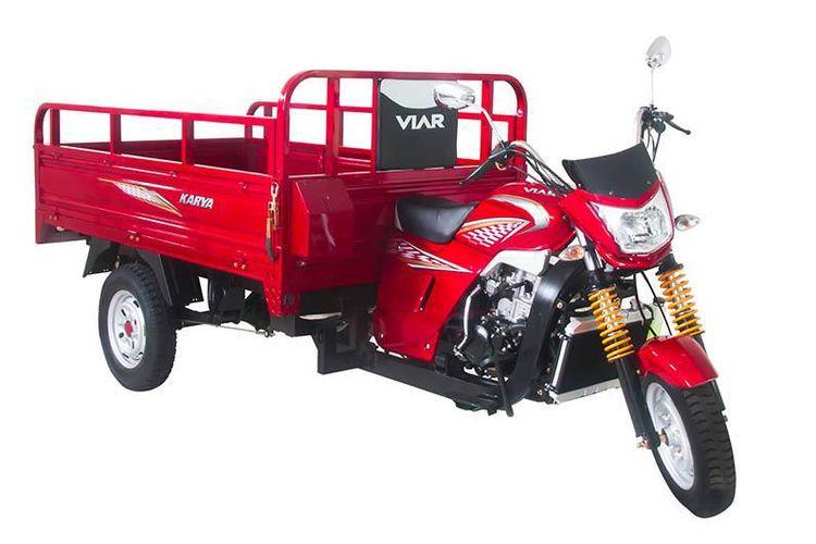 Sepeda motor roda tiga marak digunakan untuk menyokong kegiatan usaha masyarakat kecil di daerah.