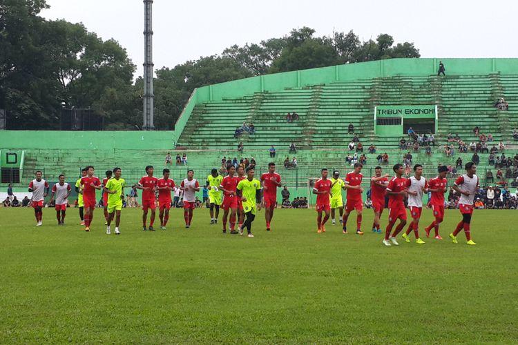 Skuad Arema FC saat menjalani latihan perdana di Stadion Gajayana, Kota Malang, Kamis (10/1/2019)