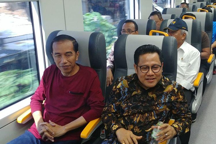 Presiden Joko Widodo dan Ketua Umum PKB Muhaimin Iskandar menjajal kereta Bandara Soekarno-Hatta, Selasa (2/1/2018).
