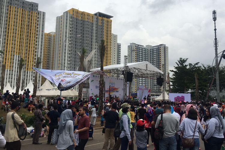 Aktivitas dalam acara Bekasi Zaman Now, di Jalan Boulevard Ahmad Yani Summarecon, Kota Bekasi, Jawa Barat, Minggu (11/2/2018).