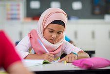 Austria Larang Murid SD Kenakan Jilbab di Sekolah