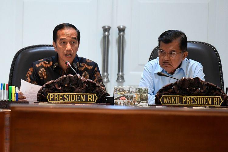 Presiden Joko Widodo dan Wakil Presiden Jusuf Kalla, Selasa (2/10/2018) pagi di Kantor Presiden Jakarta, saat memimpin rapat terbatas membahas penanganan dampak bencana di Sulawesi Tengah.