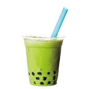 Bola tapioka segar yang diproduksi secara lokal dan aroma dari teh hijau pada minuman Matcha Milk Tapioca Single (¥400)