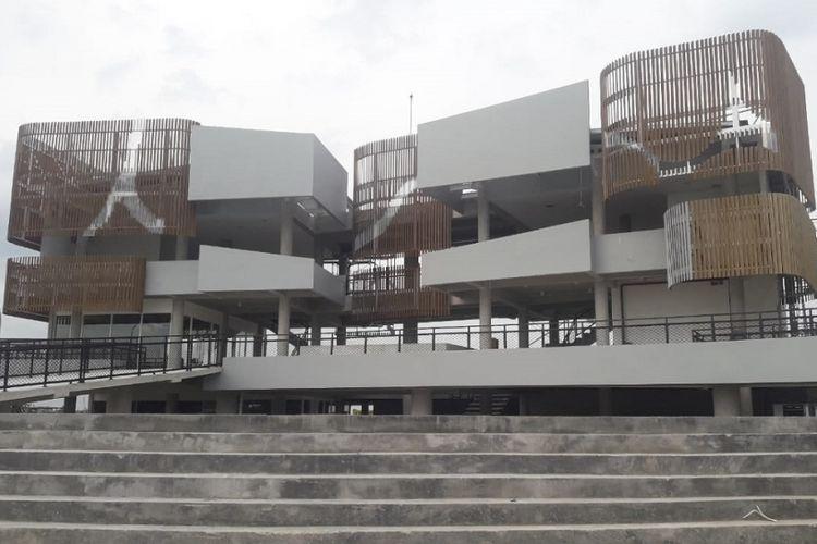 Rest Area Kedungmlati Ruas Tol Jombang-Mojokerto.