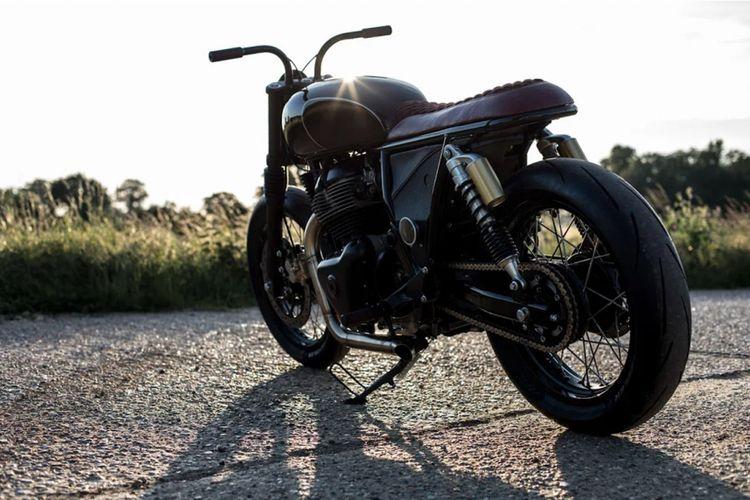 Modifikasi Royal Enfield dengan tampilan old school karya bengkel Old Empire Motorcycle