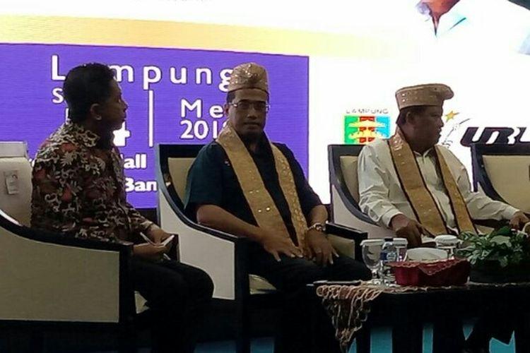 Menhub Budi Karya Sumadi (tengah) saat menghadiri dialog nasional Indonesia Maju di Universitas Bandar Lampung, Senin (14/5/2018).