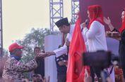 Saat Gus Ipul Berikan Kue Ulang Tahun Presiden Jokowi untuk Kader Gerindra