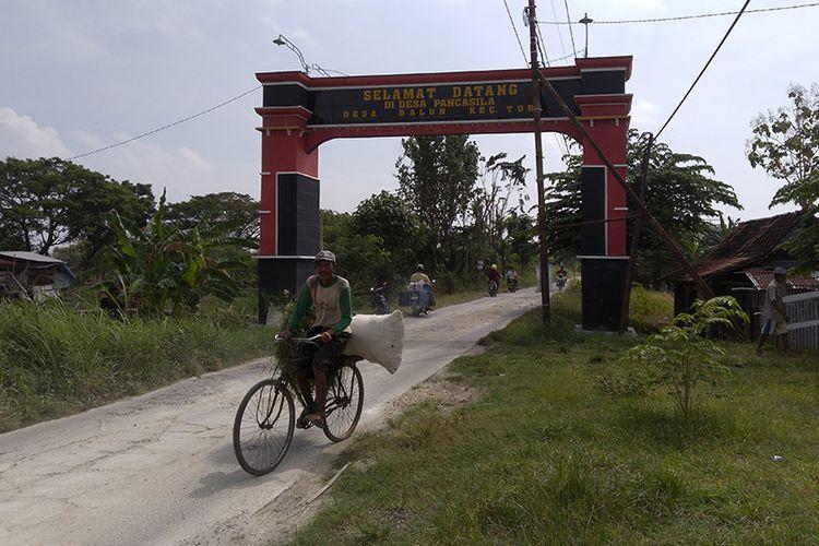 Gapura sebelum masuk Desa Pancasila yang ada di Desa Balun, Kecamatan Turi, Lamongan.