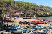 Upacara Tengah Laut, Berharap Wisatawan Kembali Kunjungi Pantai Baron