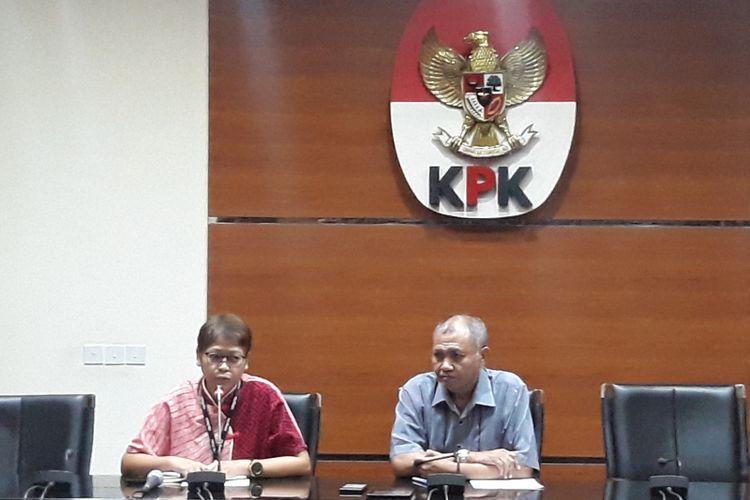 Ketua KPK Agus Rahardjo mengumumkan penetapan tersangka Bupati Pakpak Bharat di Gedung KPK Jakarta, Minggu (18/11/2018).