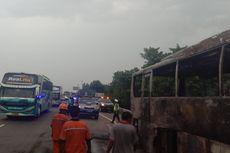 Kebakaran Bus di KM 49 Tol Jakarta-Cikampek Sebabkan Kemacetan hingga 7 Kilometer