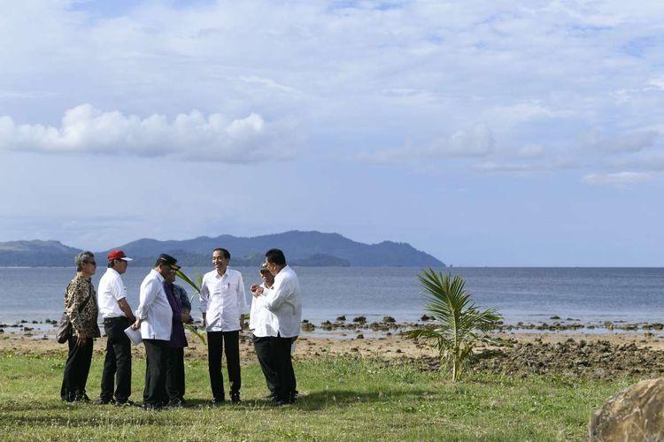 Presiden Joko Widodo melakukan kunjungan ke Kawasan Ekonomi Khusus Tanjung Pulisan, Likupang, Kabupaten Minahasa Utara, Sulawesi Utara, Kamis (4/7/2019).
