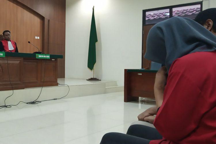 Suasana saat vonis hukuman mati terhadap Nurhadi dan Sari di PN Cibinong Kabupaten Bogor, Selasa (23/4/2019)