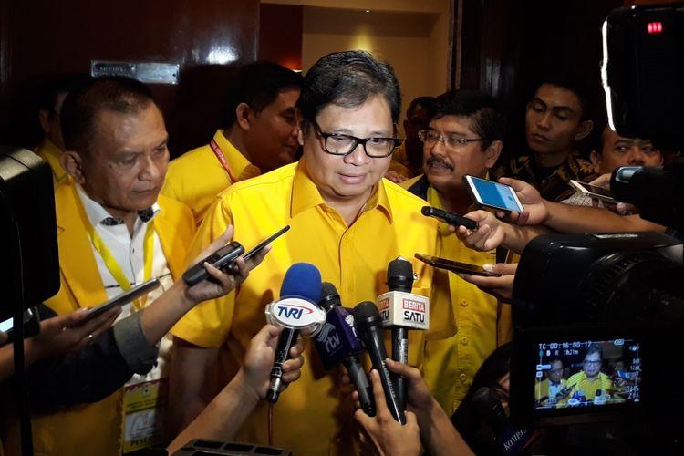 Ketua Umum Partai Golkar Airlangga Hartarto di Red Top Hotel Jakarta, Sabtu (7/4/2018).