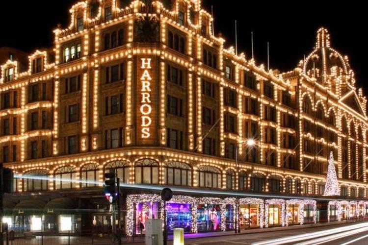 Pusat perbelanjaan Harrods di London, Inggris.