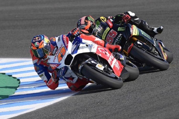 Jack Miller dan Hafizh Syahrin menjalani latihan bebas pada MotoGP Spanyol di Sirkuit Jerez, 4 Mei 2018.