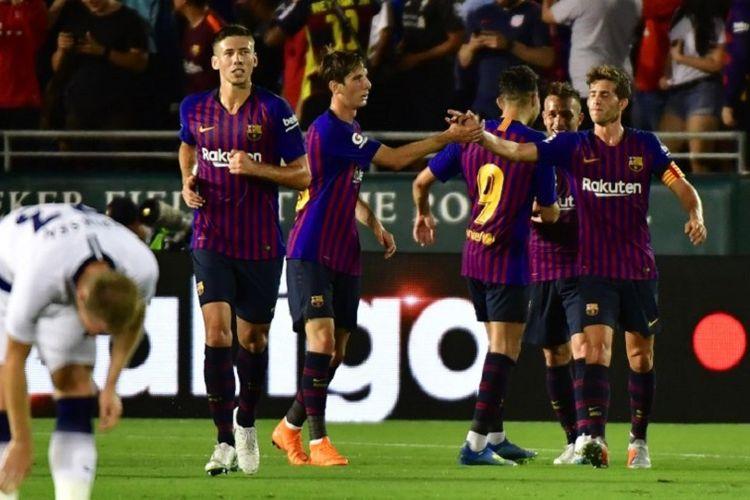 Para pemain Barcelona merayakan gol Arthur Melo (kanan) ke gawang Tottenham  Hotspur pada pertandingan 4f5990b030